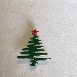 Jewelry - Christmas Tree Brooch/Pendant‼️must bundle ‼️